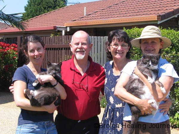 From right, Nirbeeja, Bev, Les & Nette (plus cats Benny & Teddy)