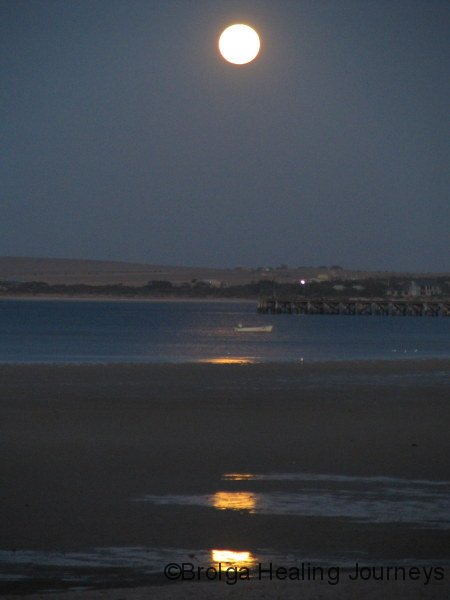 The full moon rises across Streaky Bay
