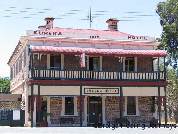 Old pub in Redhill, en route to Adelaide