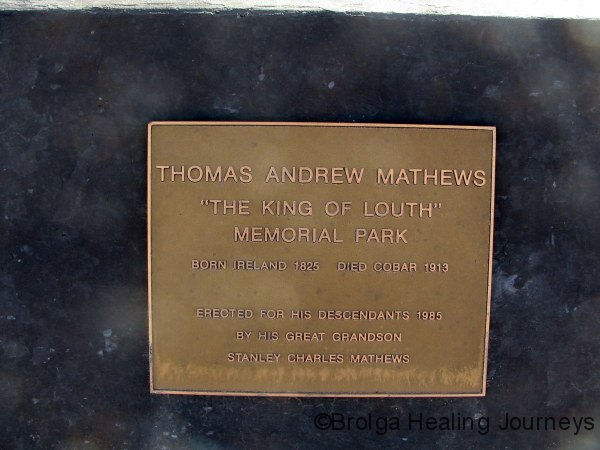 Plaque in Louth, commemorating TA Mathews.