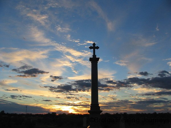 Sunset behind the monument, Louth